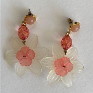 Lizzie Fortunato Jewels Flower earrings